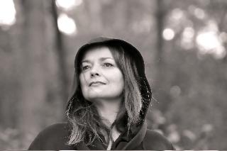 Photo de la biographie de l'artiste contemporain Anne Carpena