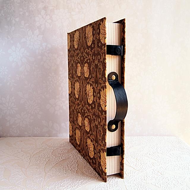 book-trunk