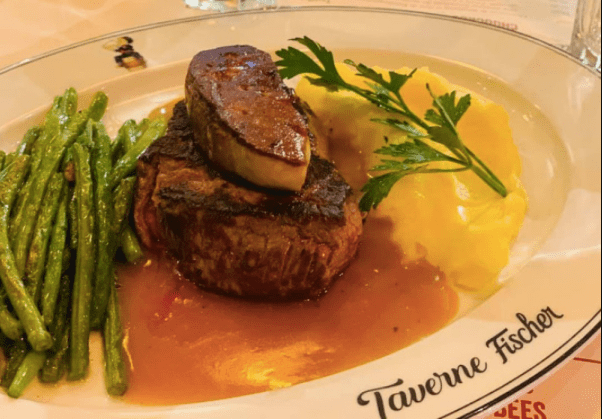 Où manger en vieille d'Annecy? La taverne Fischer