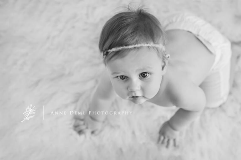 niedliche Babyfotografie mit Emilia in Mnchen  9 Monate