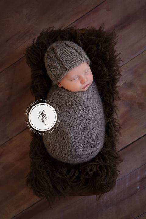 Babyfotos  Neugeborenenfotos von Finley im Fotostudio  Babyfotograf Mnchen  Anne