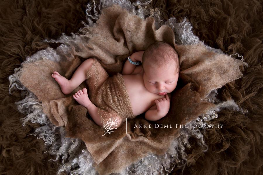 babyfotografie_freising_anne_deml_babyfotograf_muenchen_neugeborenenbilder_professionelles_babyshooting_augsburg_moritz_02