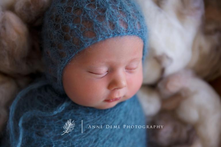 Liebevolle Neugeborenenfotos mit Julia und Rosalia in Mnchen