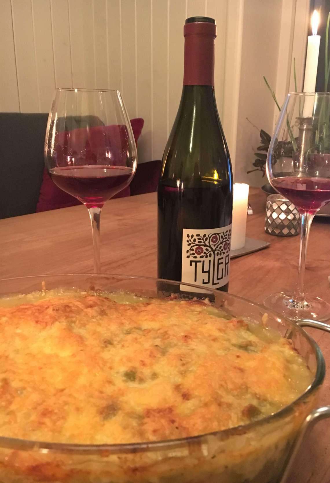 Chili og vin. En Pinot Noir passer til en green chili chicken enchiladas.