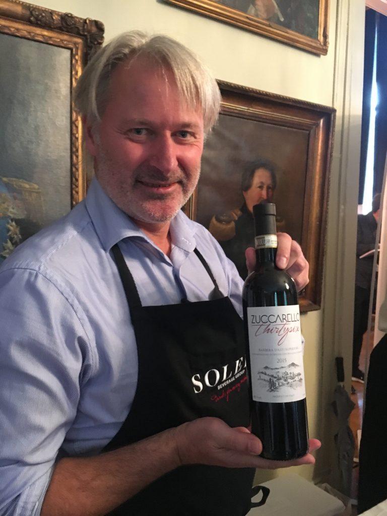 Vin, ishockey og Zuccarello har betydning for vår familie og det gode vinliv. For Zuccarello er ikke bare ishockey-spiller, han har nå utgitt en vin.