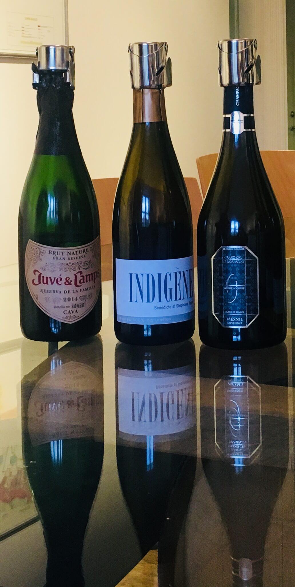 Vet du hvordan du kan få en åpen vinflaske til å holde seg i daget og uker? Hvis ikke, sjekk disse tipsene til slik oppbevarer du en åpnet vin.