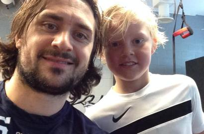 The famous ice hockey player Zuccarello also has his own wine. Wine, ice hockey and Zuccarello have significance to the life of our family and our vineyard.