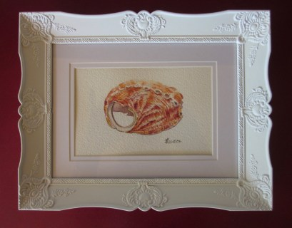 I think this sweet frame compliments the shell painting. (Photo copyright: Anne Lawson 2015)