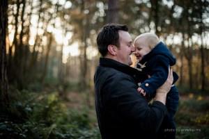 herfst kerst fotoreportage kinderen familie bos