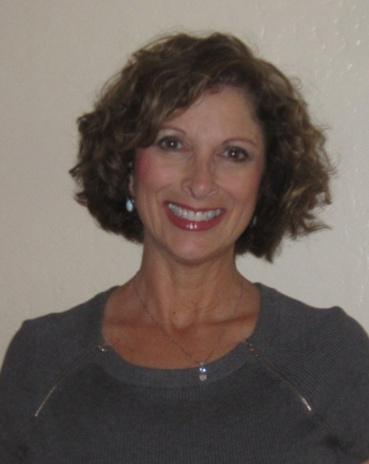 Photo of Leslie Keller, author of the Jayne Stanford series of cozy mysteries