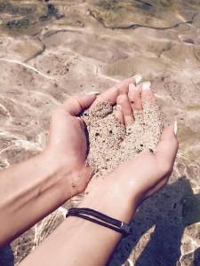 Valkoinen aivan pyöreä pieni hiekka oli lahja Egyptin kuningattarelle :)