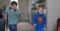 Kas erimesi olarak bilinen DMD hastası bebek yürümeyi başardı_5f588e71ccab3.jpeg