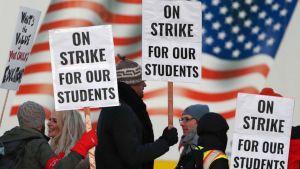 Denver Progress  reported  by  both  sides  in  Denver  teachers  strike