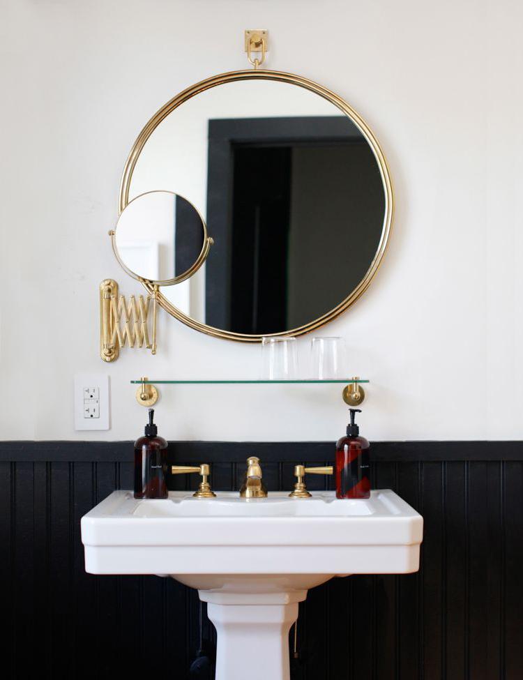 Easy Bathroom Decor Refresh A Round Bathroom Mirror
