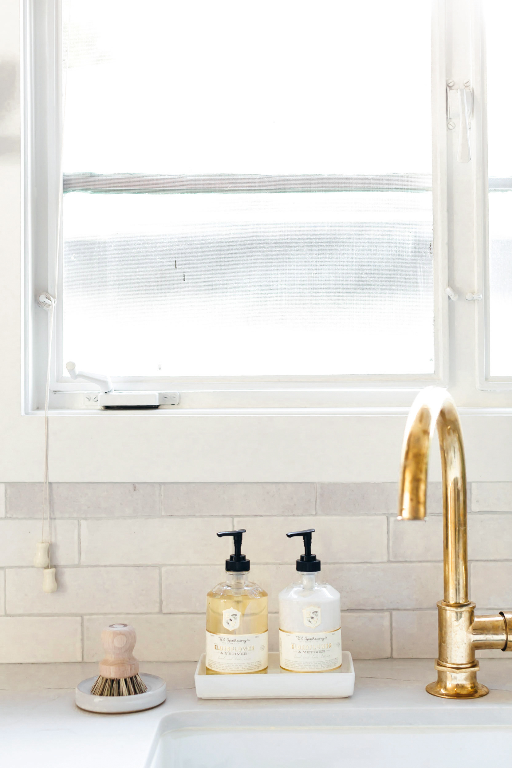 http annesage com 2018 02 07 waterworks brass faucet and farmhouse sink