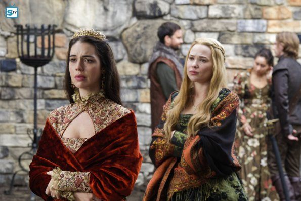 mary-queen-of-scots-reign-adelaide-kane-celina-sinden-greer