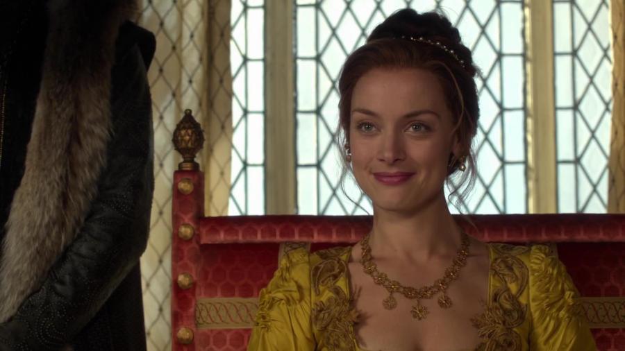 rachel skarsten as elizabeth on reign