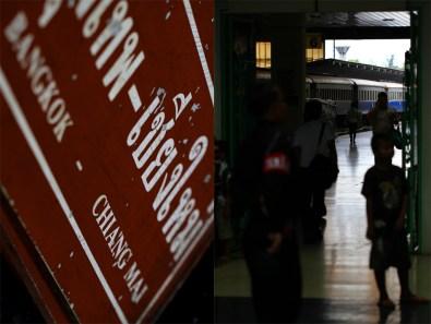 目的地を示すサインボード(左)。駅舎では人の数だけドラマがある(右)