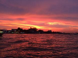 チャオプラヤー川の夕日