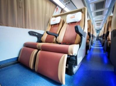 座席 Image by transport.co.th