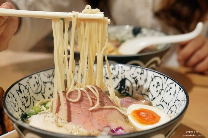 [新店拉麵  海貓亭] 療癒系貓咪麵碗  高人氣溫醇雞白湯  盛滿一屋子溫馨的日式拉麵