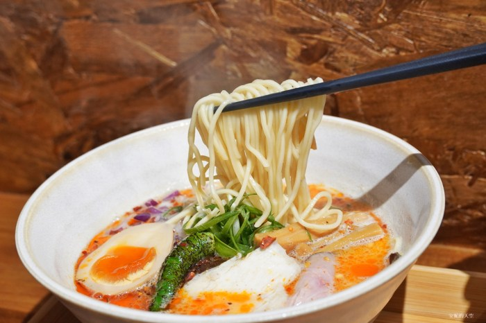 [ 新莊美食 讓麵煮一會 雞白湯らーめん ]平價雞白湯拉麵 溫暖新莊人的胃