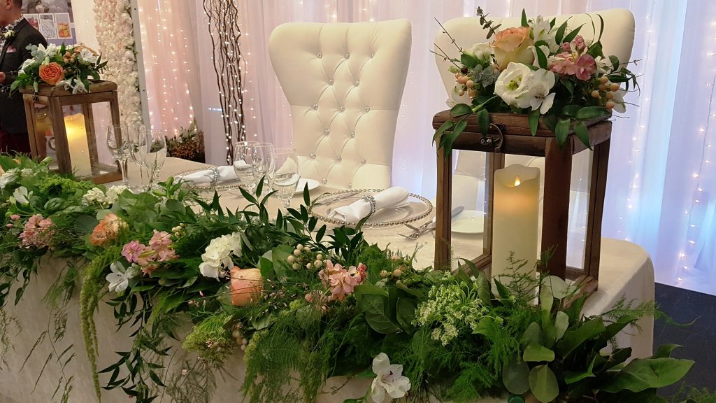 chair cover rentals durham region tot tutors table and chairs annie lane events decor centrepieces covers specialty 1