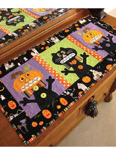 Halloween Table Runner Quilt Pattern : halloween, table, runner, quilt, pattern, Quilt, Patterns, Eeeek!, Table, Runner, Pattern