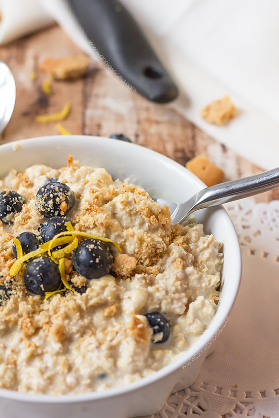 My Lemon and Blueberry Cheesecake Overnight Oats combine all the very best flavours of the classic cheesecake combination into a healthy, filling breakfast recipe.