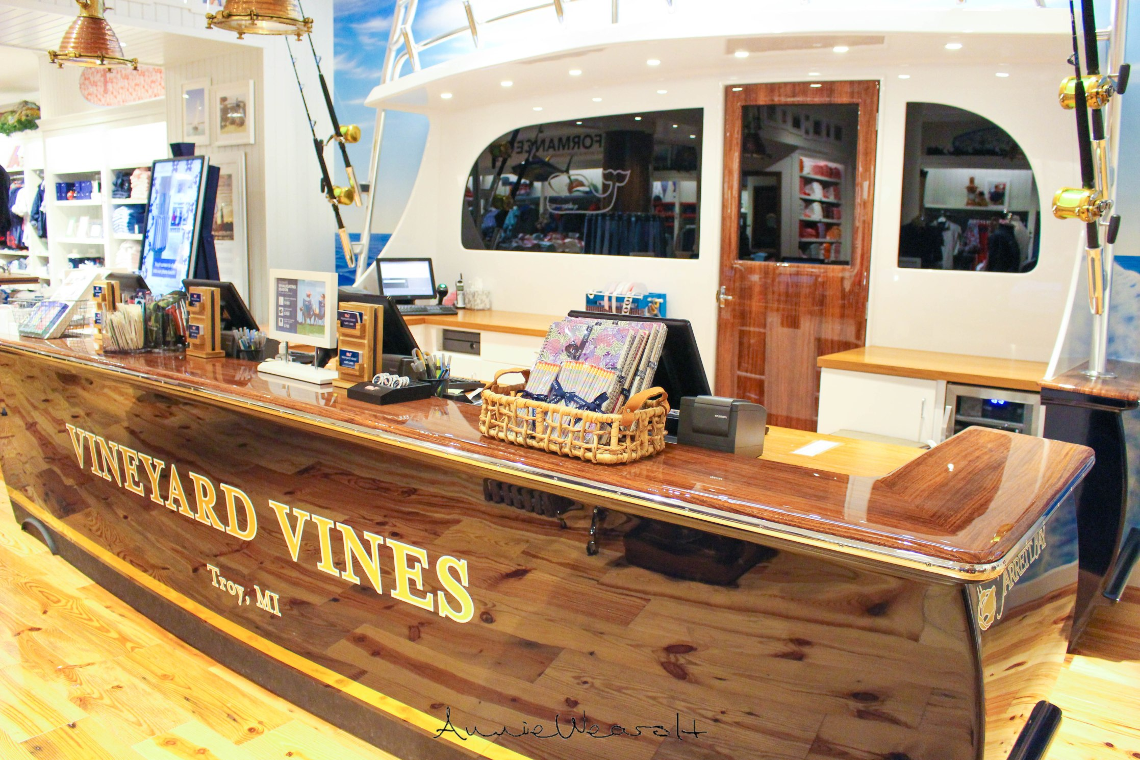 vineyard-vines-boat-2