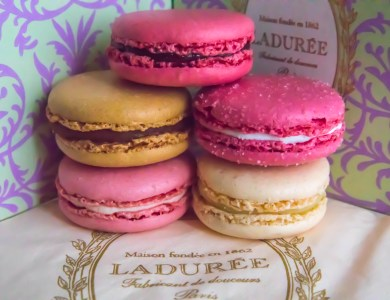 Ladurée Paris: Macaron, Desserts, Gardens, and Fountains!