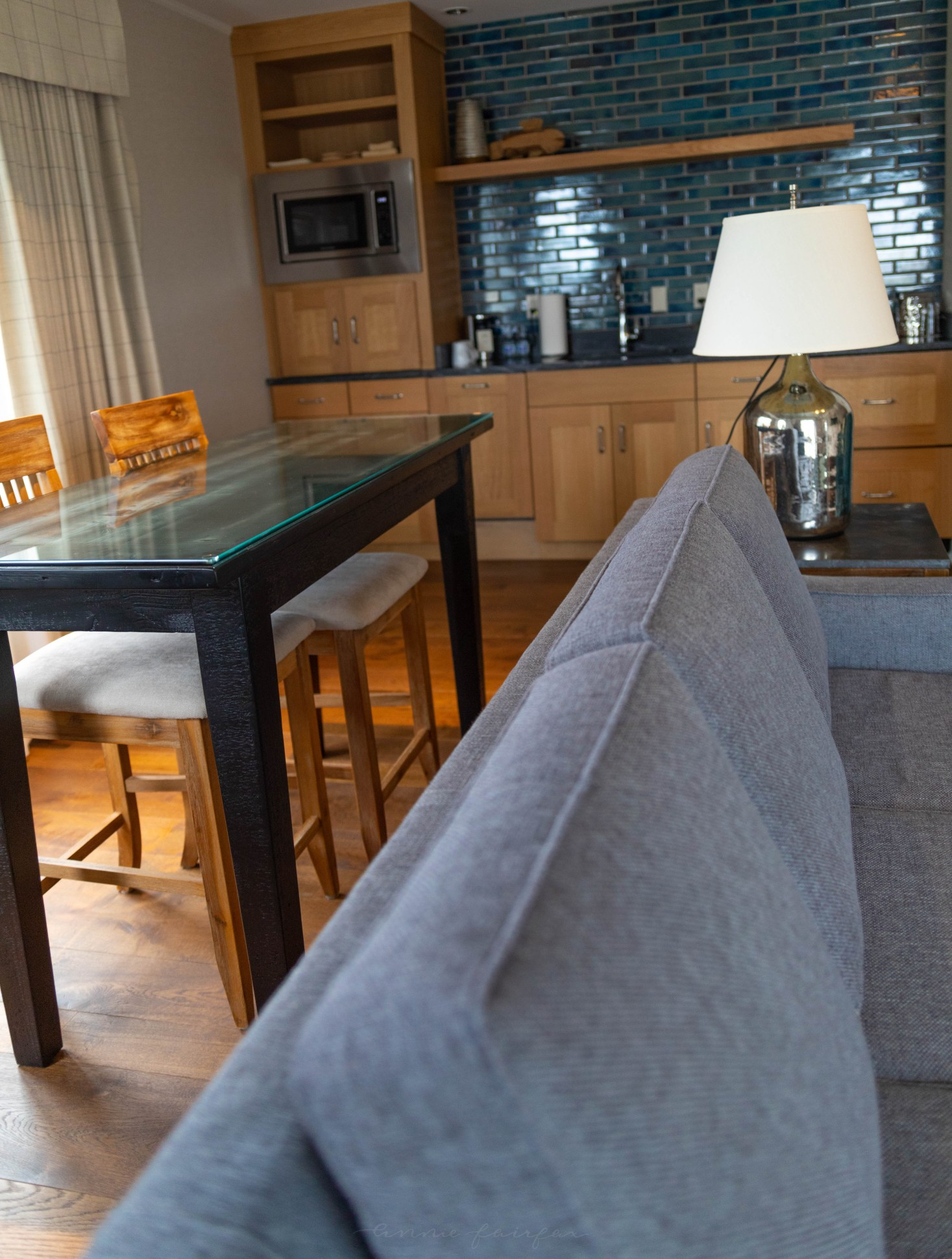 Hotel Walloon One Bedroom Luxury Suite with Master Bathroom, King Bed, Kitchen, Private Balcony and Lake View