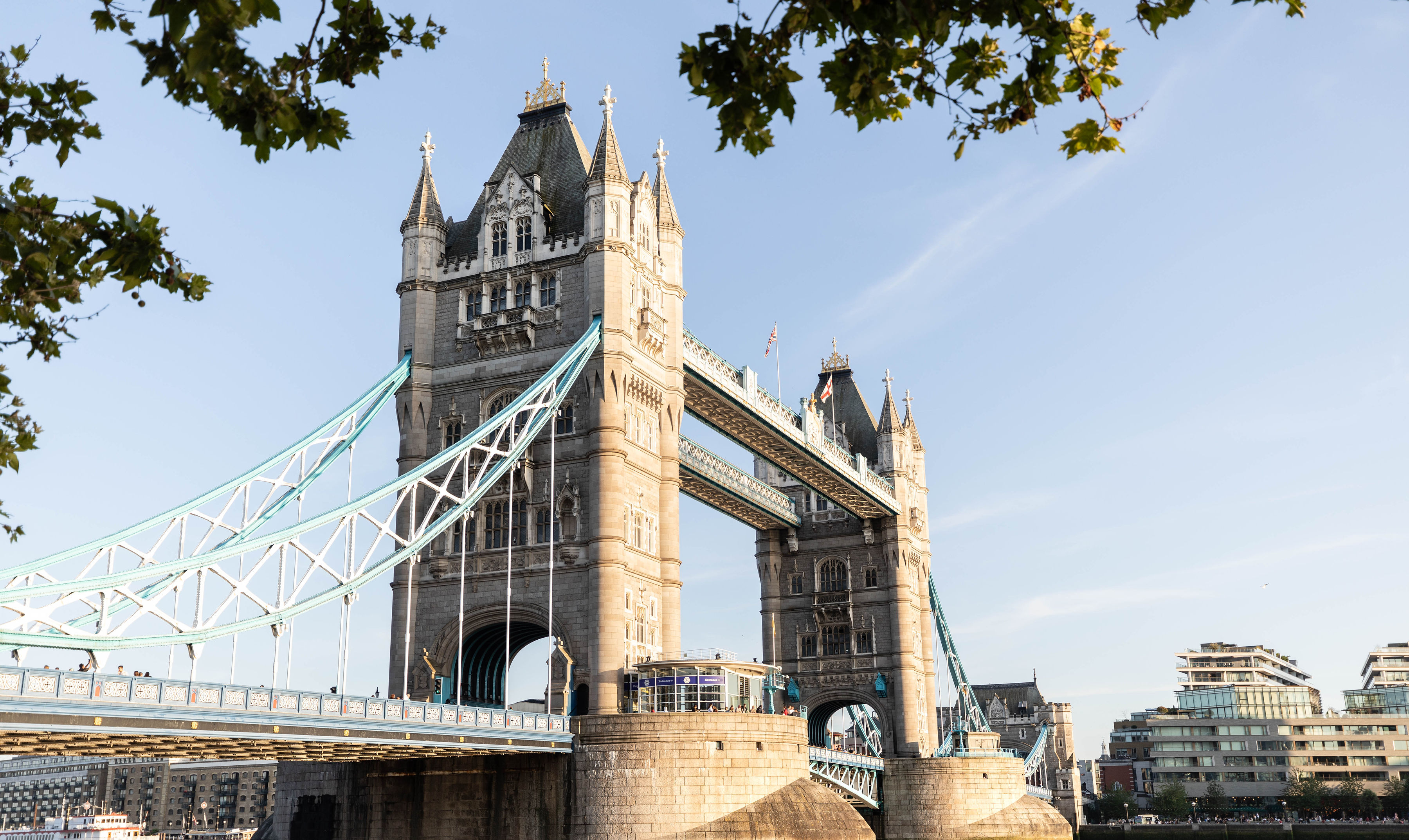 London City Guide the Official Travel Guide of London, England