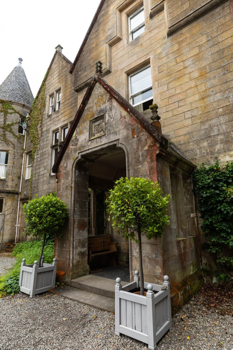 We Spent the Night in a Scottish Castle   Luxurious Glengarry Castle Hotel