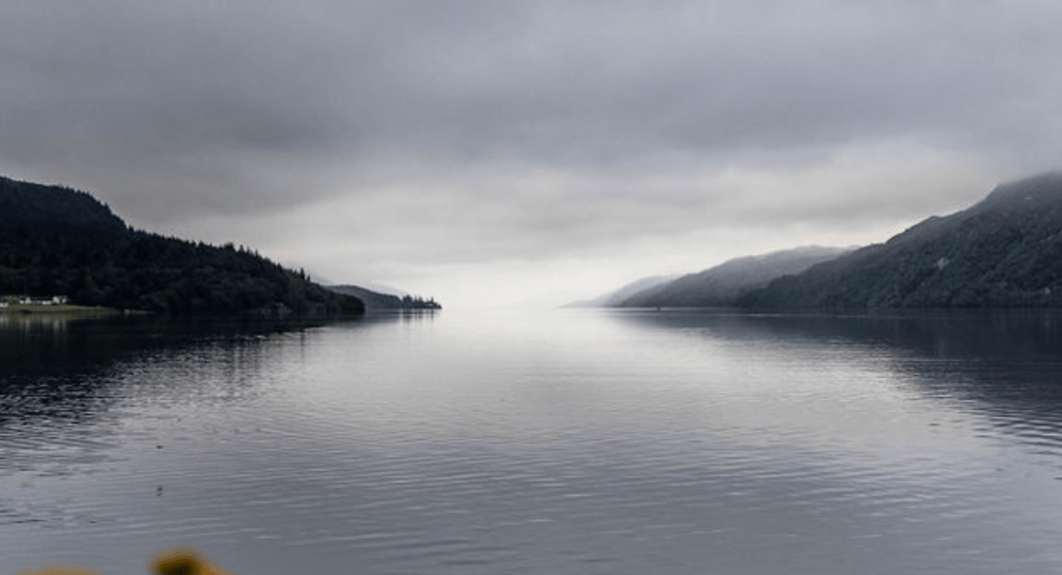 Loch Ness: The Official Travel Guide