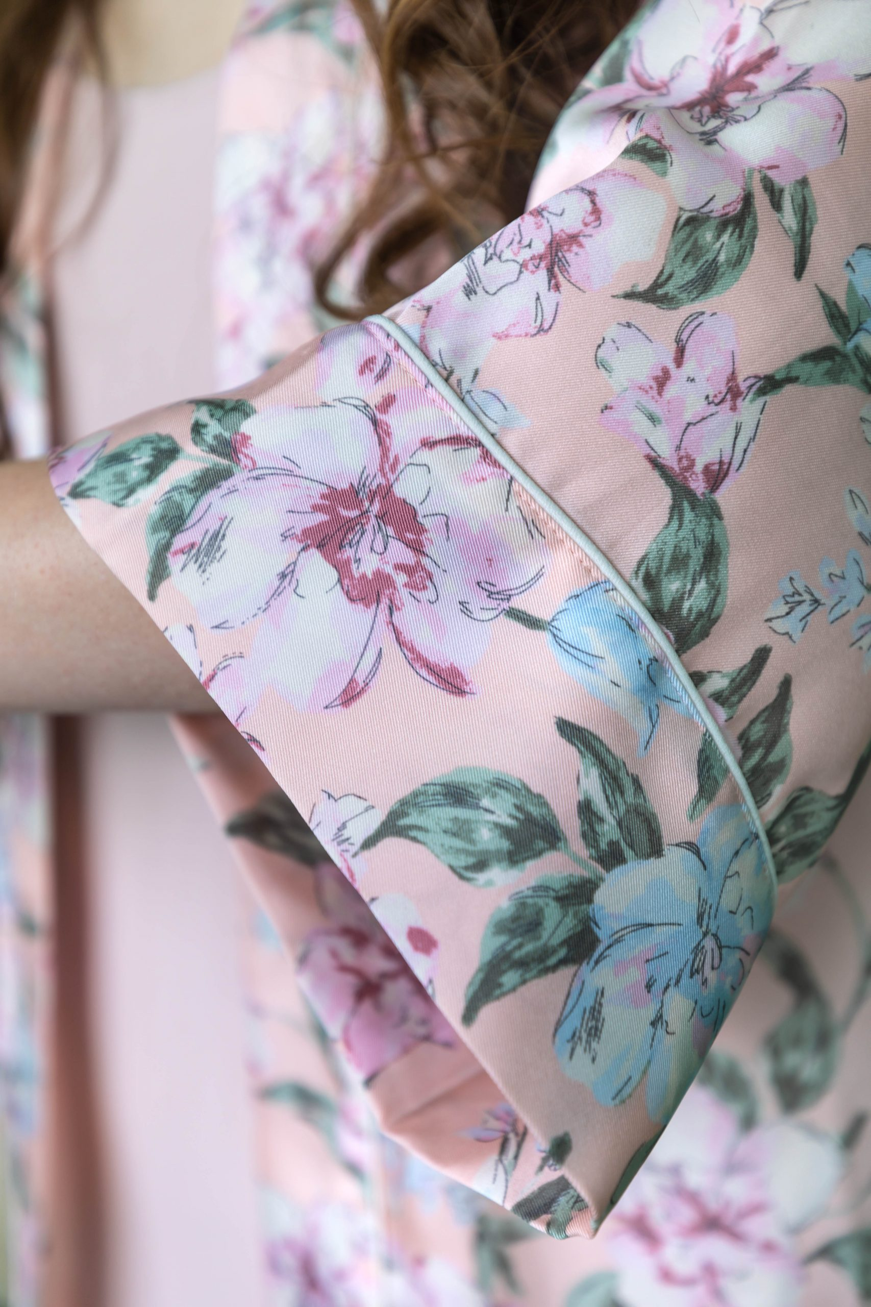 Pink Floral Silk Botanical Robe and Everlane Japanese Go-Weave Shift Dress by Annie Fairfax