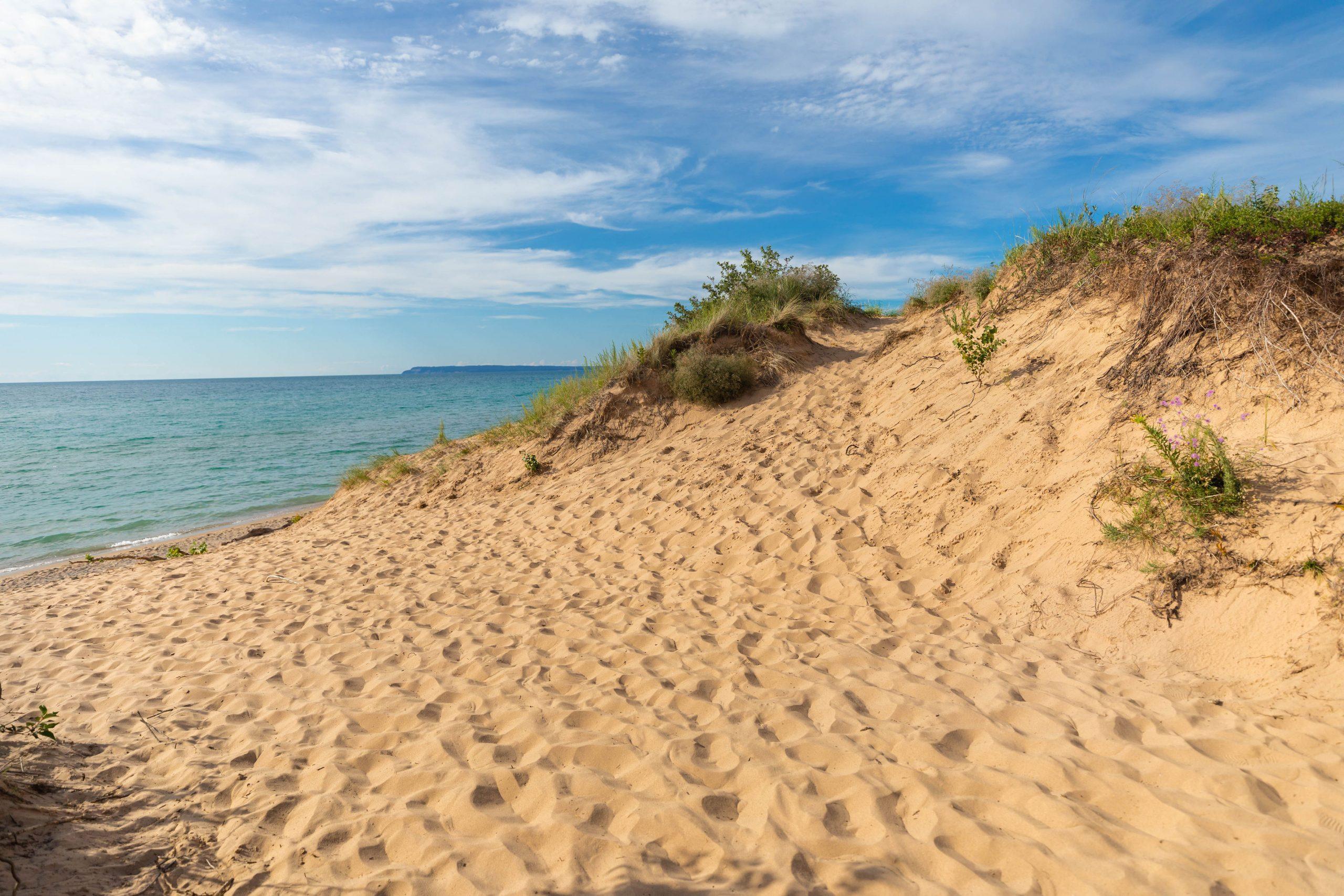 Sleeping Bear Dunes National Lakeshore Travel Guide by Annie Fairfax