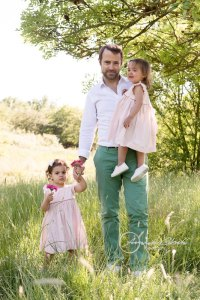 outdoor family session in West London, father and toddlers