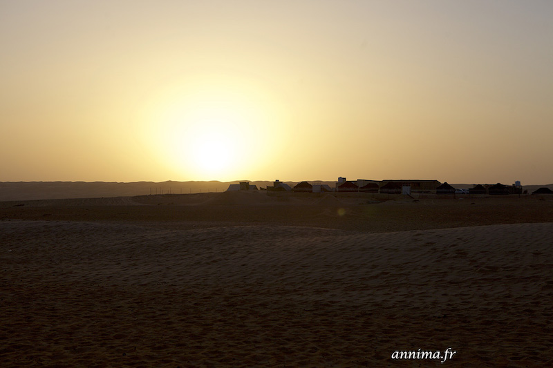 Un coucher de soleil sur le désert omanais.