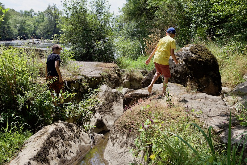 Balade au bord de l'eau sur le sentier des Fadets