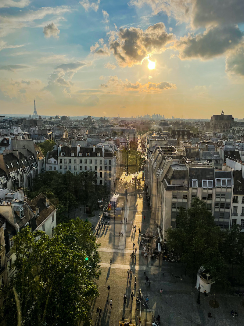 golden hour paris beaubourg