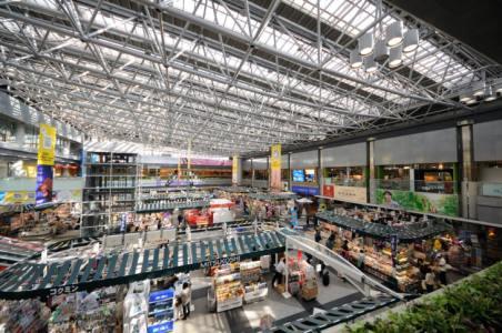 【2021年版】新千歳空港でおすすめのレストランならここ!カップルのデートや記念日にもおすすめ【旅好きライターが徹底ガイド】和食・洋食の他、休憩にぴったりなカフェまで
