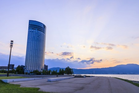 【2021年版】琵琶湖のホテルレストラン14選!カップルのデートや記念日にもおすすめ【地元民が徹底ガイド】ゆったり・ティータイム・景観◎・近江牛・夜景など