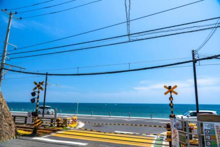 【2021年版】神奈川絶景ドライブデートならここ!地元民おすすめの15スポット【ドライブロード・工場夜景・景勝地・夕日など】