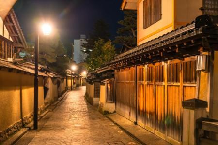 【2021年版】カニ料理が楽しめる金沢の温泉旅館おすすめ15選【元ホテルスタッフが徹底紹介】老舗・絶景・露天風呂付き客室など