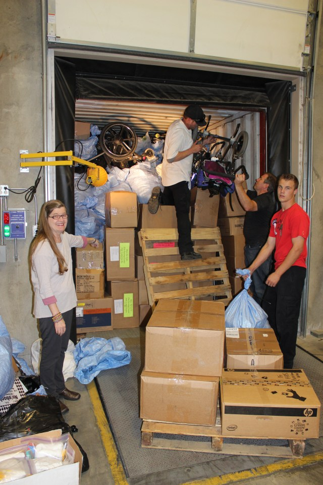 2014-10-2 Packing Kits for Zimbabwe (32)