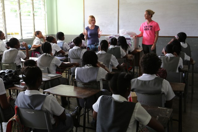 2015-1-20 Kits in Jamaica (5)