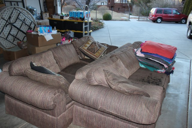 2015-2-20 Old Sofas going (5)