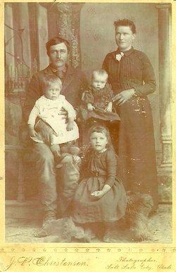 Smith, Joseph and Estella Holt family
