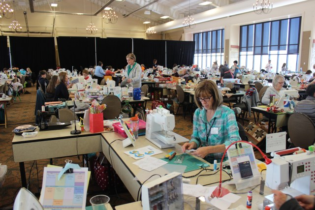 2015-4 American Quilting Retreat (60)